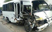 Алматы облысында жүк көлігі жолаушылар автобусын қағып кетті