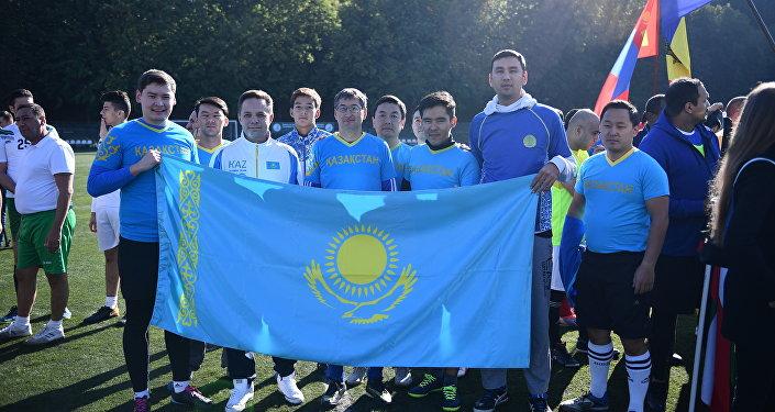 Неофициальный чемпионат мира среди посольств в России, в котором приняло участие 12 команд