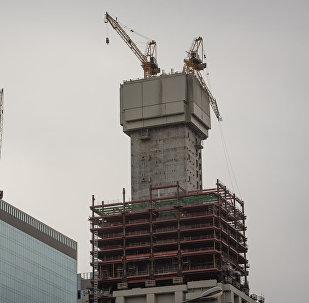 Стрела башенного крана надломилась на строящемся Абу Даби Плаза в Астане