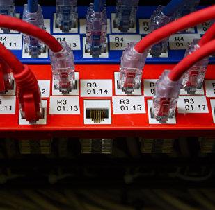 Сетевое оборудование в серверной, архивное фото