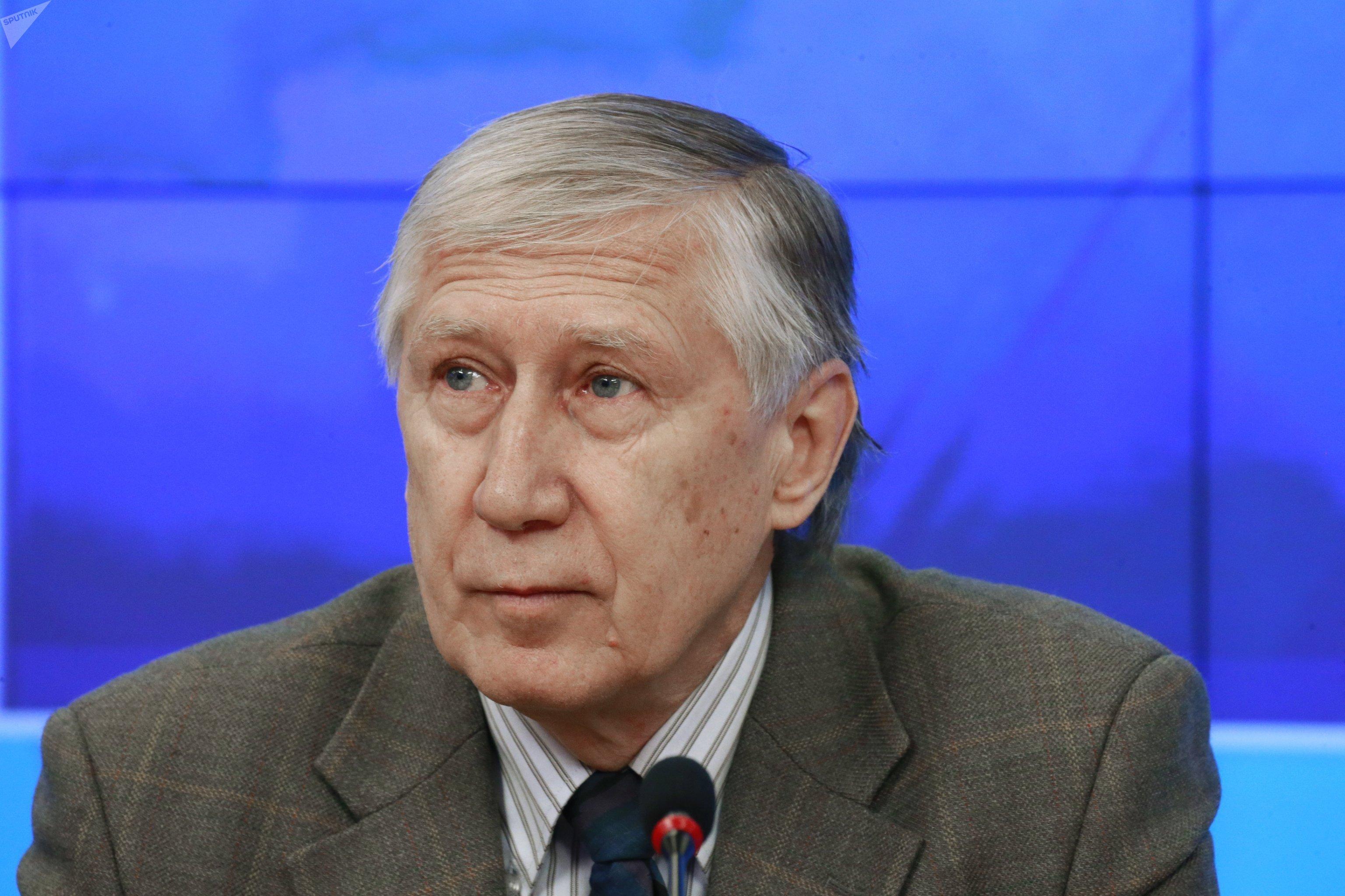 Архивное фото эксперта Леонида Вардомского