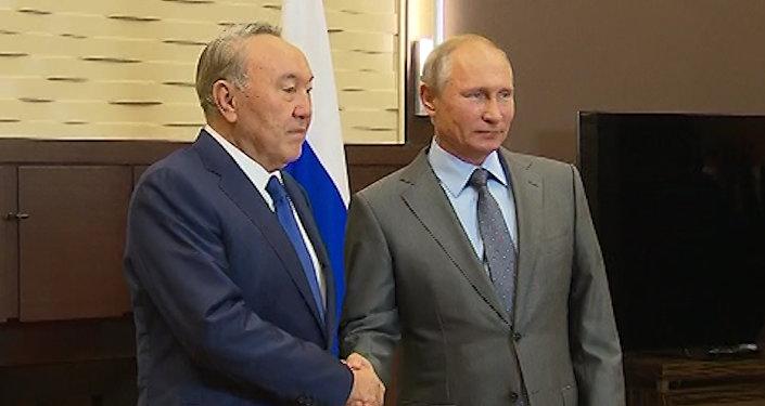 С удовольствием задержался в Сочи – о чем Назарбаев говорил с Путиным
