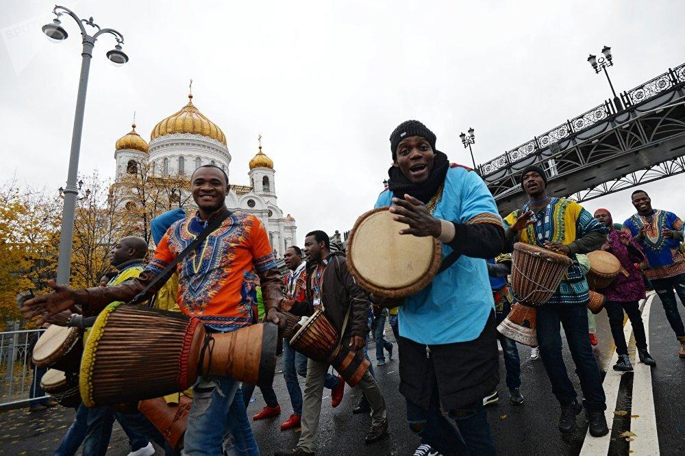 Знакомства москва африканцы