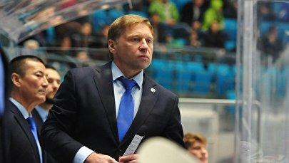 Главный тренер ХК Барыс Евгений Корешков