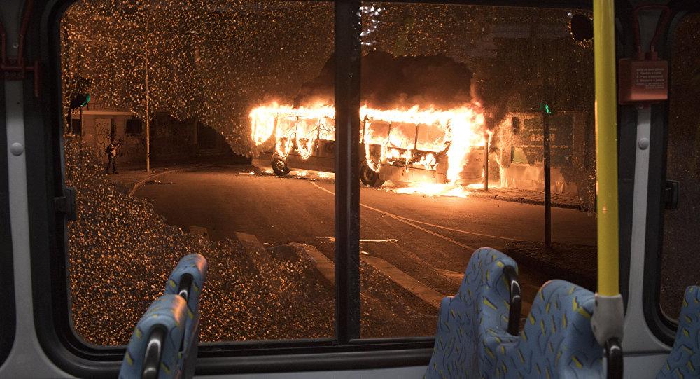 Горящий автобус, архивное фото