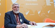 Автор символа Всемирного фестиваля молодежи и студентов 1985 года Михаил Веременко