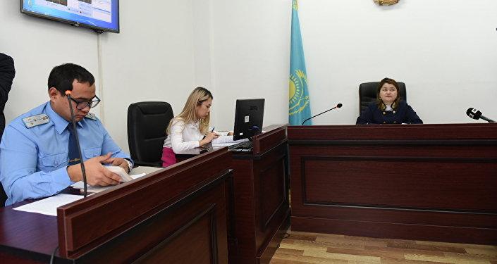 Лишившаяся ног вДТП женщина дала показания всуде Алматы
