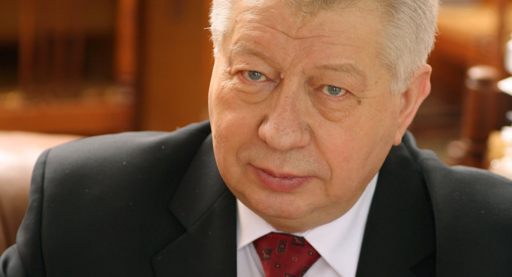 Директор филиала МГУ Александр Сидорович