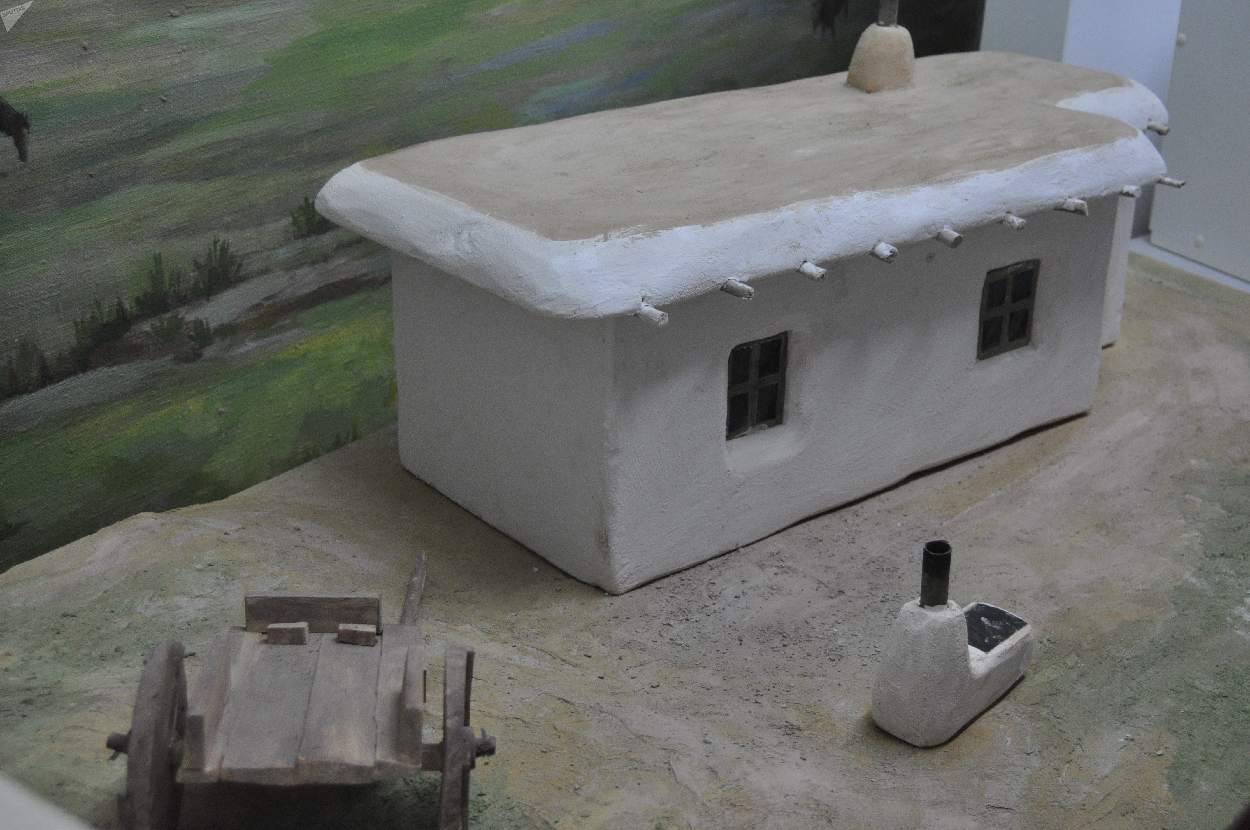 Мазаный дом. Почти в таком же проживала Алия Молдагулова в селе Булак до 8 лет.