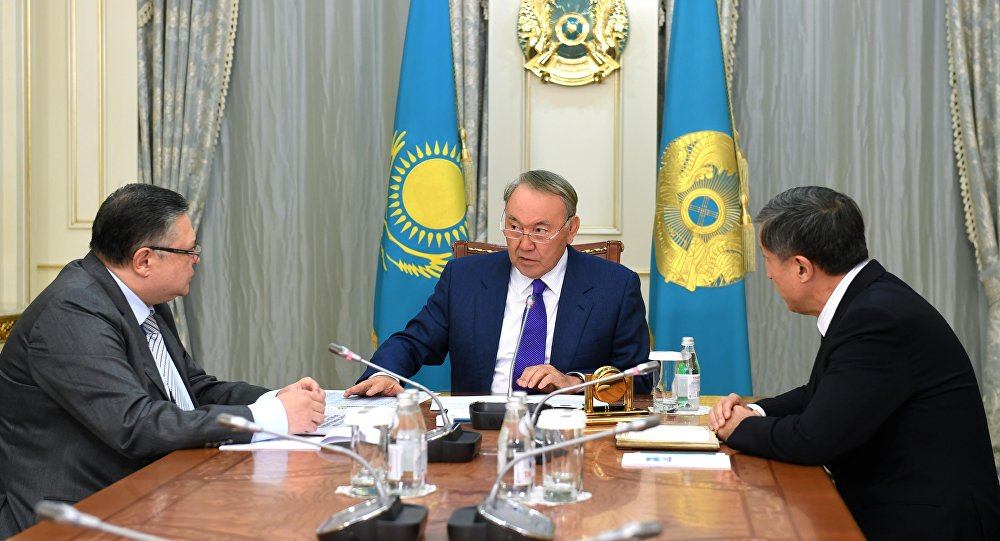 Назарбаев подписал указ опереводе казахского алфавита налатинскую графику