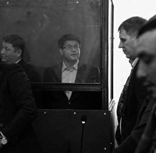 Предварительные слушания по делу Куандыка Бишимбаева (в центре)