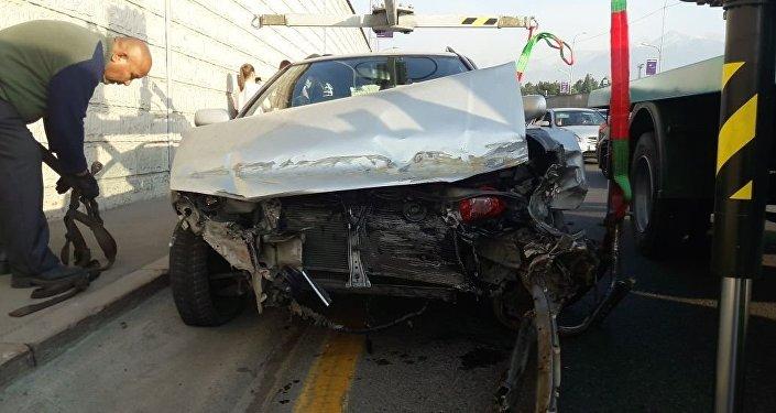 ВАстане 18-летний шофёр сбил 2-х человек