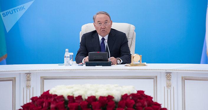 Нұрсұлтан Назарбаев Нұр Отан партиясы саяси кеңесінің кеңейтілген отырысында