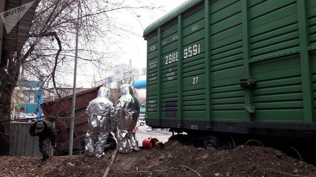 ВАлматы вагон упал нацистерны АЗС «Гелиос»