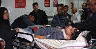 Пострадавшие при землетрясении люди в иранской больнице