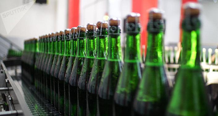 Завод шампанских вин, архивное фото