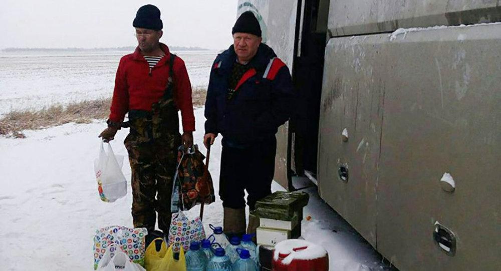 Алтай өлкесінде жол апатына ұшыраған қазақстандықтар қираған автобуста тұрып жатыр