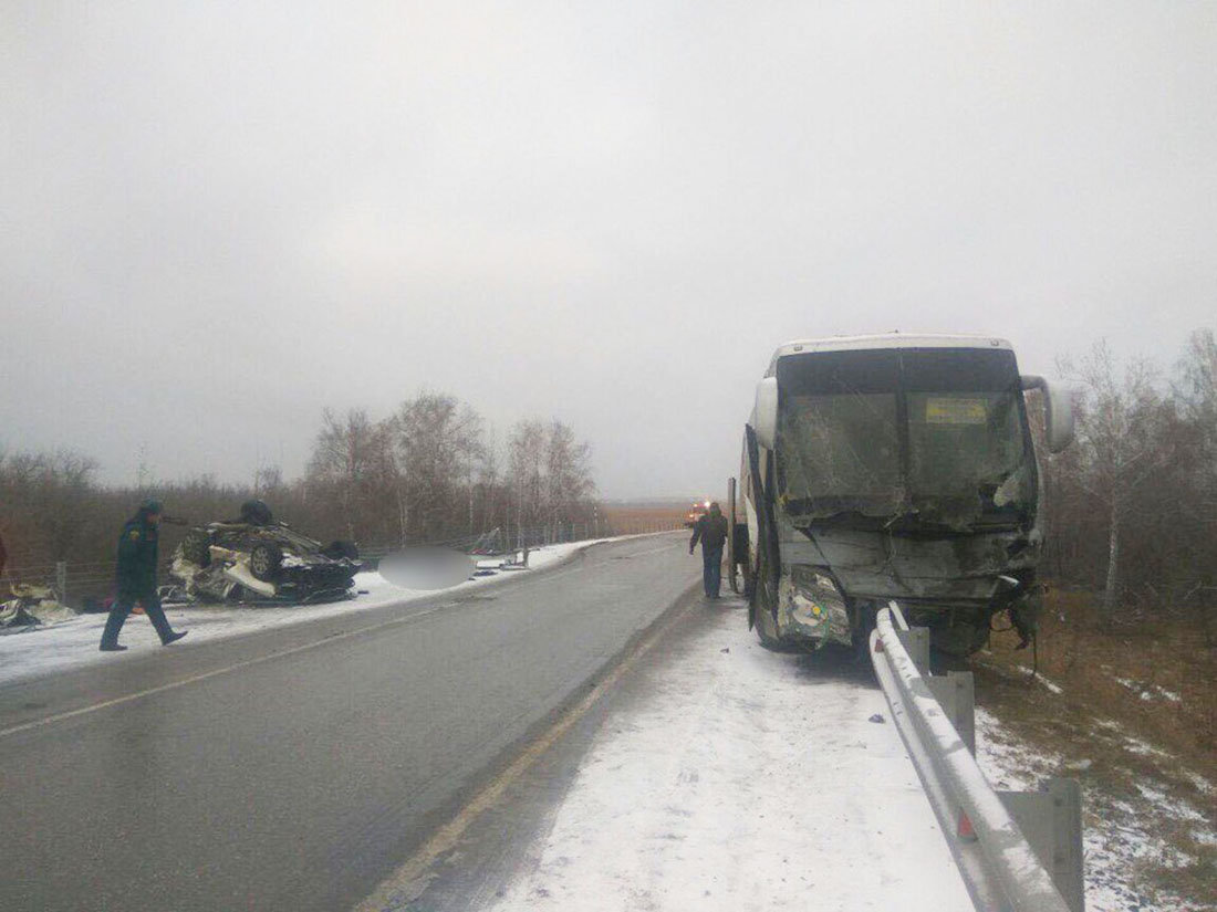 Автобус на месте ДТП
