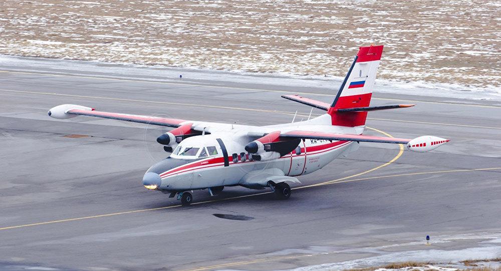 Самолет L-410, архивное фото
