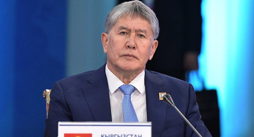Президент Кыргызстана Алмазбек Атамбаев на заседании ШОС в Астане