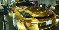 На автосалоне в Дубае представили золотой спорткар