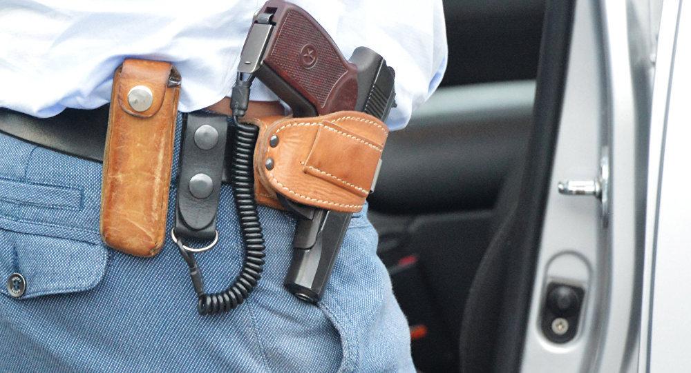 Травматический пистолет, архивное фото