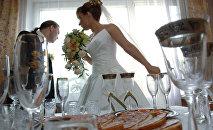 Архивное фото жениха и невесты