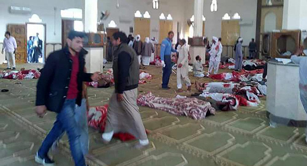 Последствия взрыва в мечети в Египте