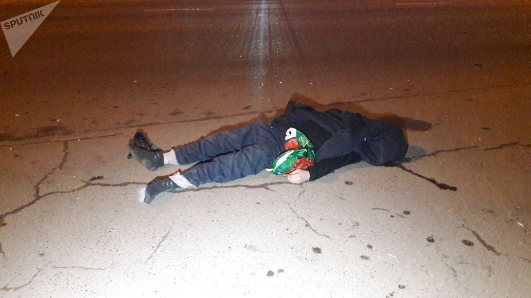 Перебегающий дорогу мужчина умер под колесами авто вАлматы