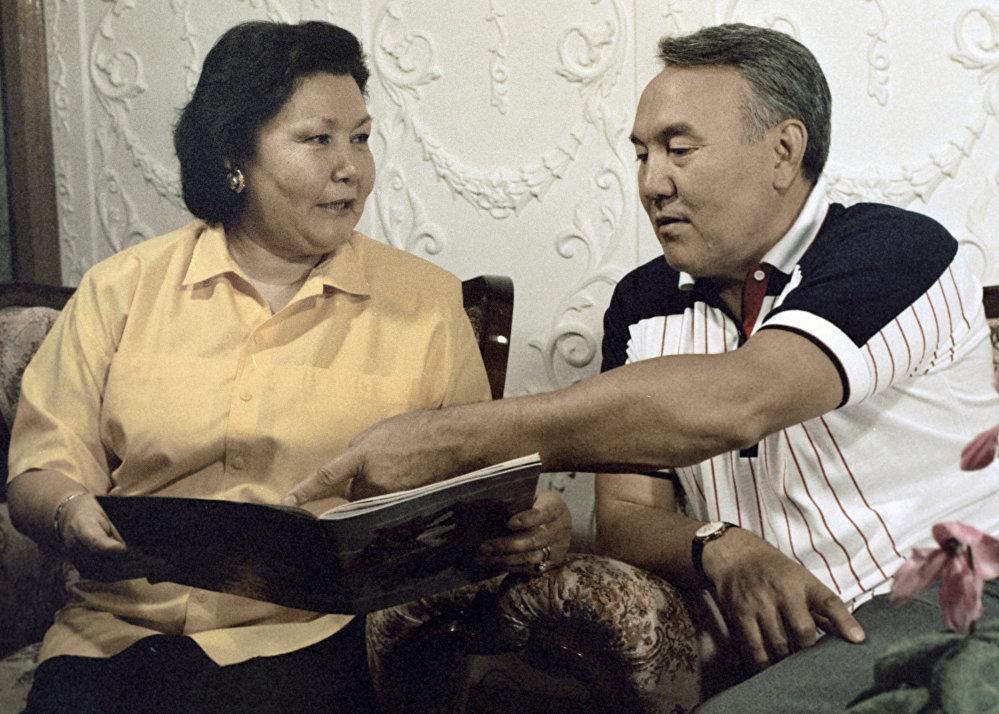 Нурсултан Назарбаев с супругой Сарой
