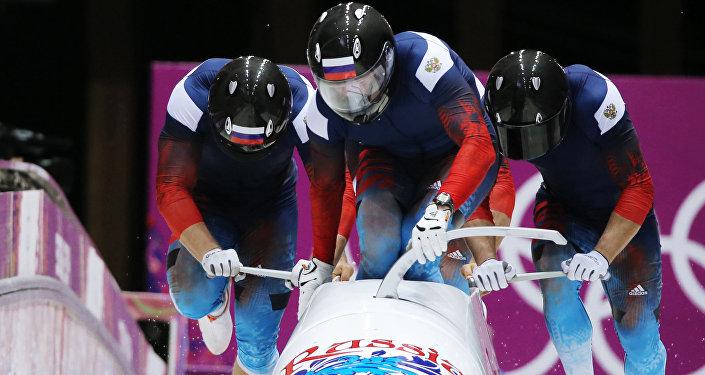 Российский  бобслеист Александр Зубков на Олимпиаде-2014 (четверки), архивное фото