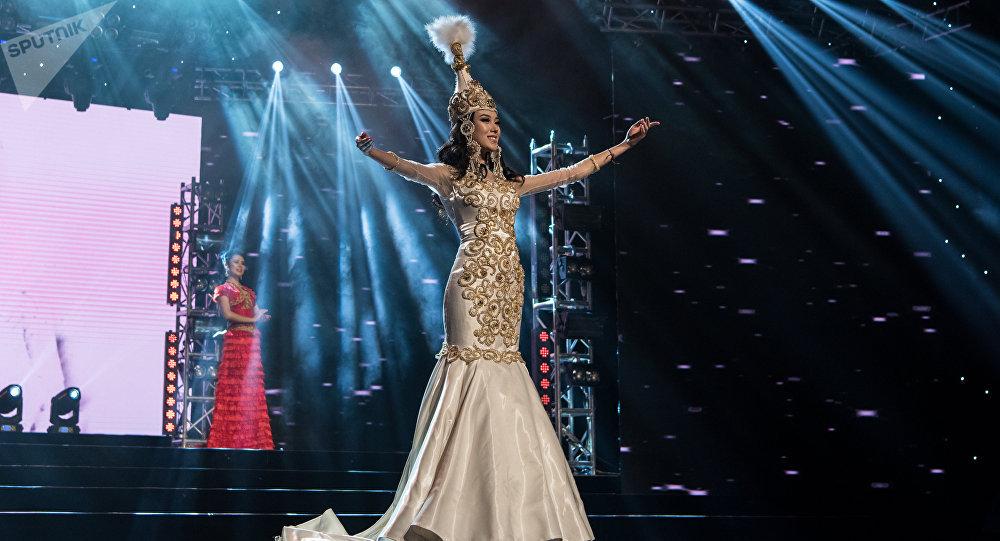 Участница конкурса Мисс Казахстан, архивное фото