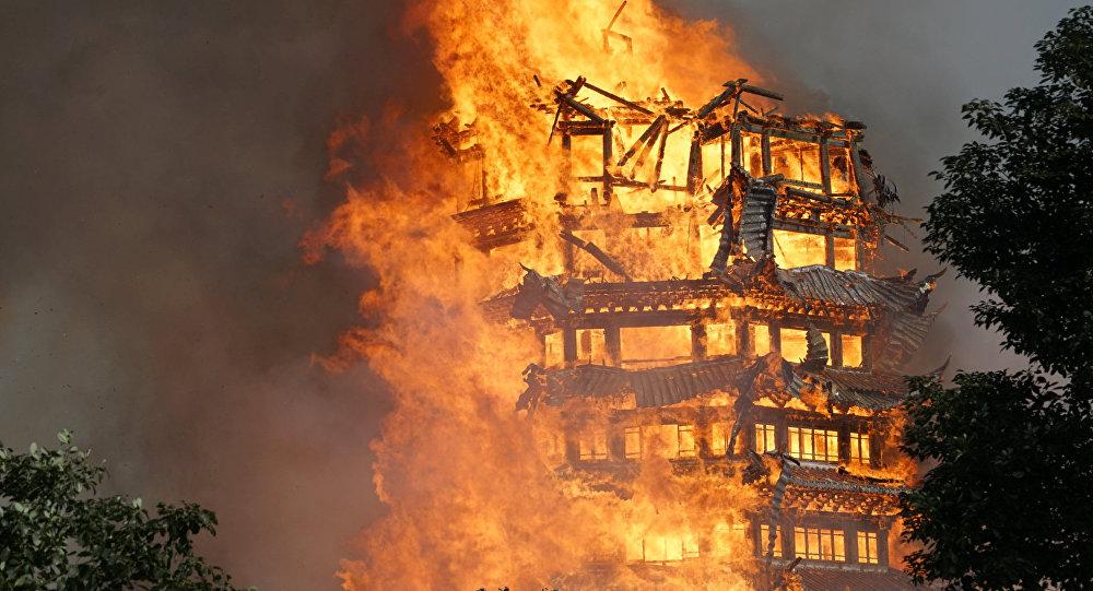 Самая высокая пагода в Азии сгорела при пожаре