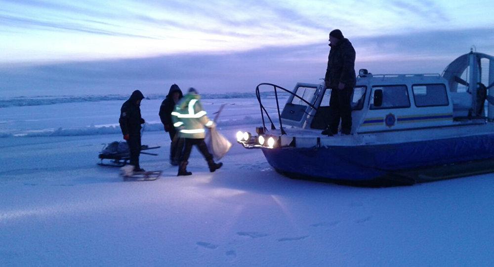 На озере Балхаш спасены 3 рыбака