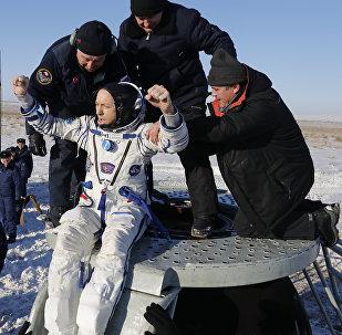 Приземление космонавтов Союз МС-05