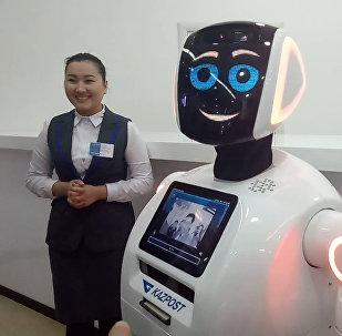 Мне нужна твоя одежда, сапоги и улыбка - робот завелся в Казпочте