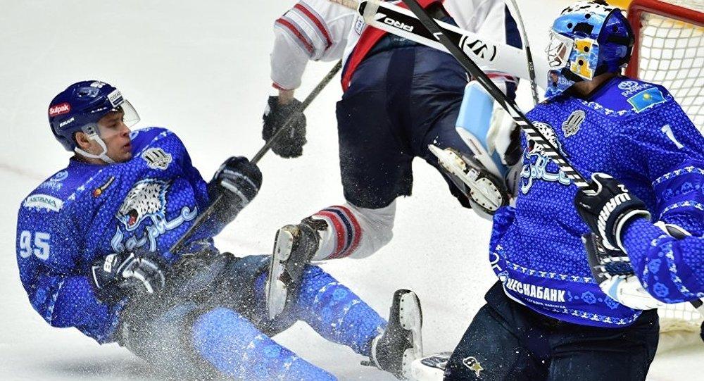 «Нефтехимик» обыграл «Барыс» вматче КХЛ