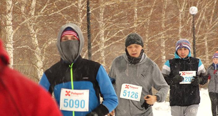 Бегом по снегу: столичные бегуны показали запредельные возможности
