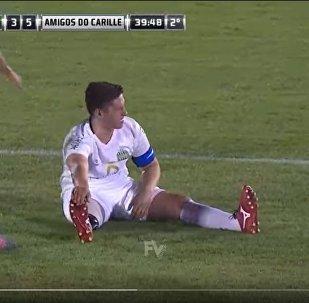 Футболист с протезом разыграл зрителей матча