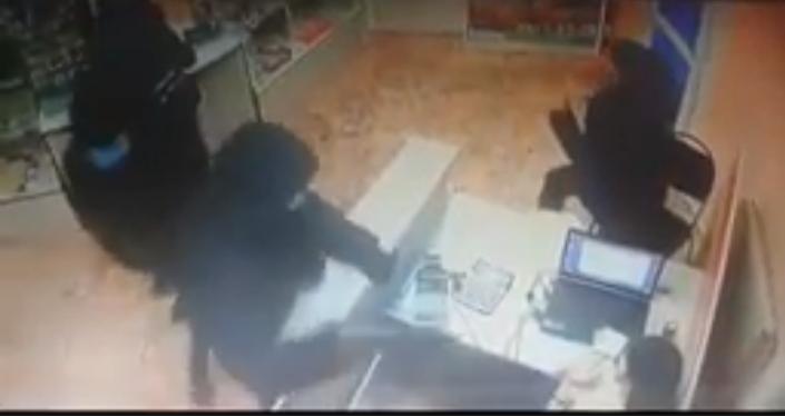 Камеры и очевидцы помогли задержать грабителей в Астане