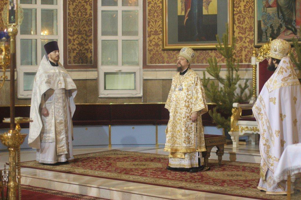 Торжественное богослужение в Успенском кафедральном соборе