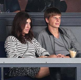 Архивное фото Андрея Аршивина и его супруги Алисы Казьминой
