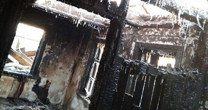 Мужчина ранил жену и пытался себя сжечь