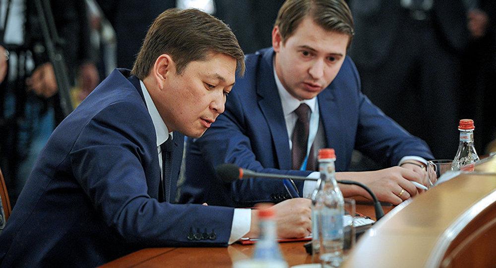 Премьер-министр Кыргызстана Сапар Исаков и министр экономики Артем Новиков