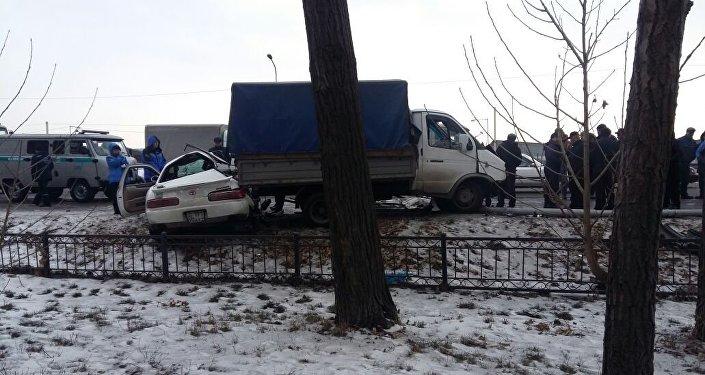 Жеңіл көлік ГАЗельге соғылып, жүргізушісі қаза тапты