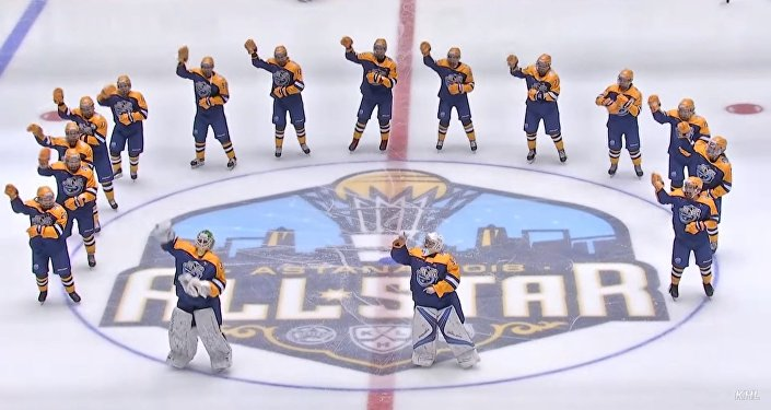 Хоккеистки танцуют