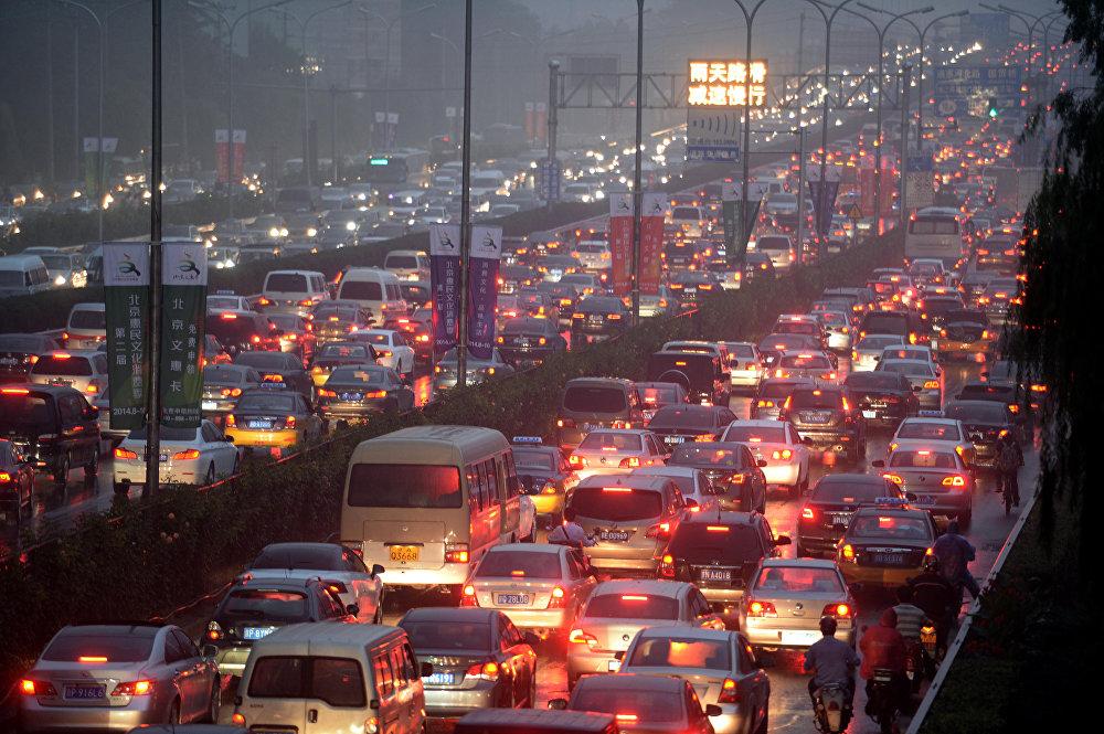 Самая длительная пробка, в которой автомобили стояли две недели, образовалась в августе 2010 года на трассе G110 Пекин — Тибет