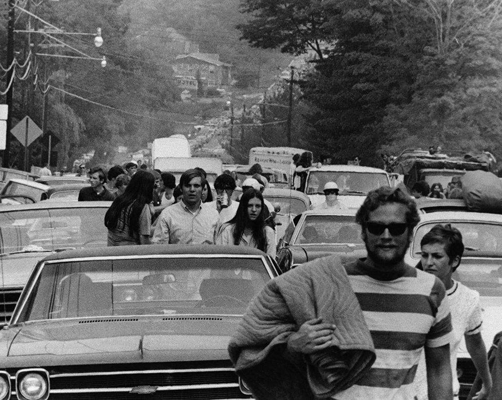 Первая в истории автопробка образовалась в 1969 году и сейчас кажется маленькой и несерьезной