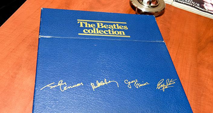 Коллекция пластинок Битлз
