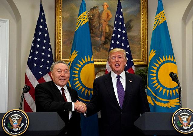 Нұрсұлтан Назарбаев пен Дональд Трамп